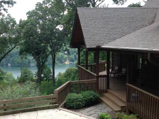 Sugarbush Cabin with Lake Lure views, hot tub!