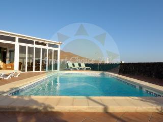 Lovely Three Bedroom Villa, Playa Blanca