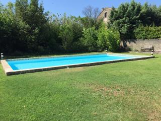 Small Provencal Villa with Pool in St Remy - Nostradamus, Saint-Remy-de-Provence