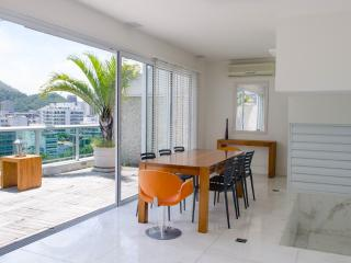 W01.110 - 3 BEDROOM PENTHOUSE IN IPANEMA FOR RENT, Rio de Janeiro