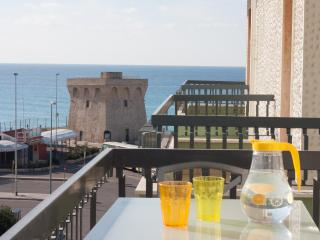 Spacious Apartment 50mt from Beach, Gallipoli