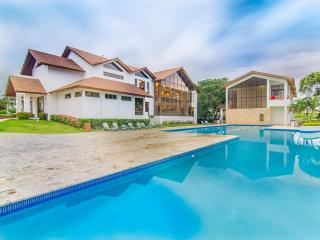 Elegant 3 bedroom beachfront villa
