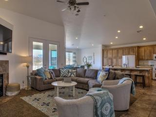 Beach House in the Desert - Georgeous 4 Bed 3 Bath, St. George