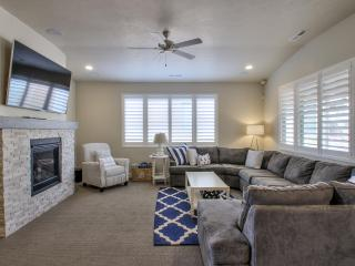 Nautical Themed Paradise - 3BD Home w/Amenities, Santa Clara