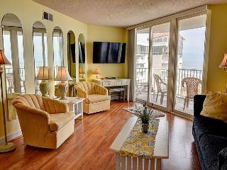 St. Regis 1510 - Beach Front, Pool Access and On-site Resturant, North Topsail Beach