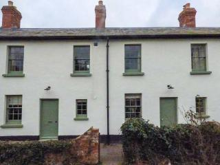 1-2 DRYBRIDGE TERRACE, woodburning stove, rear courtyard garden, in Monmouth