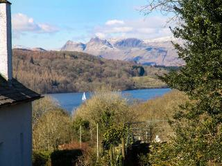KEMPTON, semi-detached, pet-friendly, WiFi, private patio, in Bowness-on-Windermere, Ref 934814