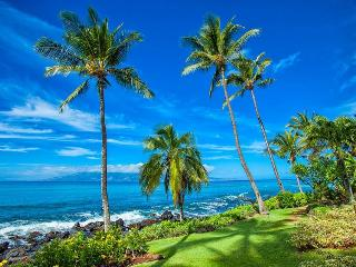Amazing Oceanfront Condo in West Maui!, Lahaina