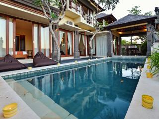 Private Villa Promo Rate Close the Beach, Ungasan