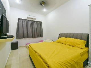 Quadruple Room - Private Bathroom, Melaka