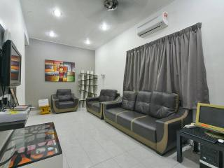 Stay99 Corner House (3 bedrooms), Malacca