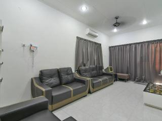 Stay99 house (2 bedrooms), Melaka