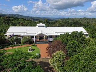 The Country House at Hunchy, Montville