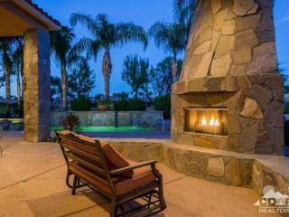 (MUST SEE VIDEO) LUXURY ESTATE GOLF ESCAPE & Pool, La Quinta