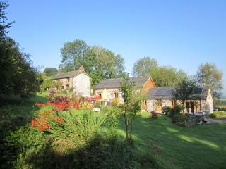 Tyddyn Retreat - Lower Barn Cottage