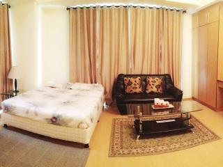 Condo For Rent, 37m Studio Bonifacio Global City, Hotel Amenities at half price