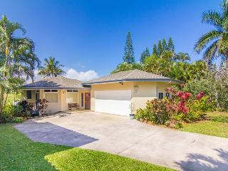 Pu'uwai Hale: Spacious home w/Bali Hai Sunsets and panoramic ocean views!, Princeville