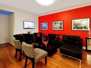 Outstanding 5BR/3BA Duplex Apartment with Terrace (100% Legal)