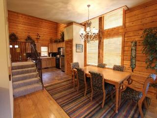 Enchanting 3 bedroom, 2 Bath located at the Cabins at Grand Mountain!