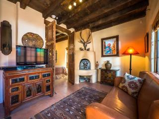 Two Casitas-Desert Sky-Sweet Retreat Across from Santa Fe River Trail, Santa Fé