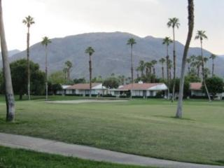 TORR43 - Rancho Las Palmas Country Club - 3 BDRM, 2 BA