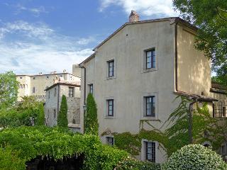 Casa Rossa, Palazzone