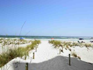 Sea Bluff's #11 - Relax 30A Style! Community Pool & Steps to Beach!, Santa Rosa Beach