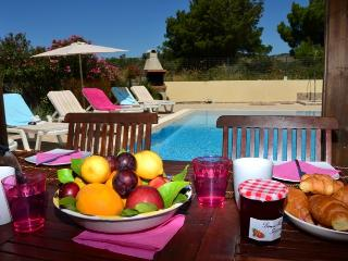 Glystra Beach Villa, 5 Bedrooms, Private Pool, Lindos