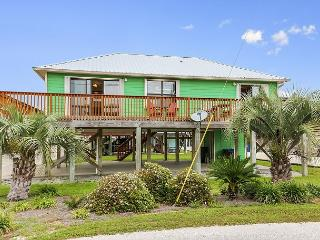 Vibrant Cottage a Block from Gulf Shores Beach – Sleeps 6