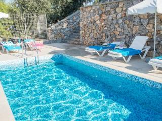 Villa Alya with private pool, seaviews and wifi, Pefkos