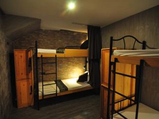 4-Bed room @ Thonglo 6, Bangkok