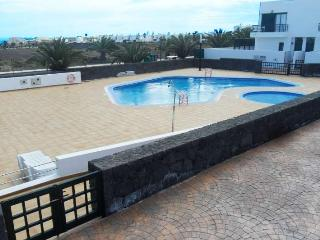 APARTMENT ZUNZZOL IN COSTA TEGUISE FOR 6P