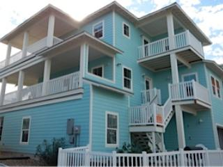 Ship Ahoy! Coastal Chic house, views,boardwk,decks, Port Aransas