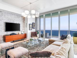 The Angelo -Luxury Oceanview 4 Bedrooms + 3.5 Bathrooms