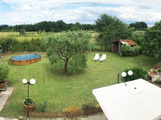 Country  House, Orentano