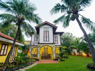 VILLA BOUTOQUE RESIDENCE CENTRAL MELAKA with POOL, Melaka