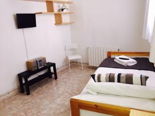 Apartamento 3 habitaciones junto Ramblas, Barcelona