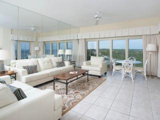 TOPS'L Beach Manor 0805