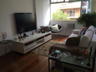 elegant apartment in the best spot of Ipanema.