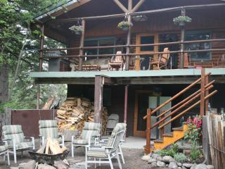 Bear CreekSide Cabin