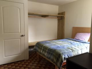 Large private room, 10 minute walk to Times Square, New York City