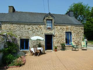 beautiful oak beamed comfortable country cottage, Locmine
