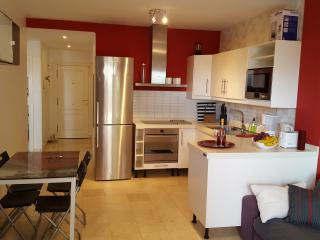 Cozy 3 Bed Rooms Apartmet & Large Terrace WIFI, Palm-Mar