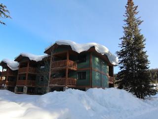 Deluxe 1 Bedroom Suite   Lake Louise Inn, Lake Louise