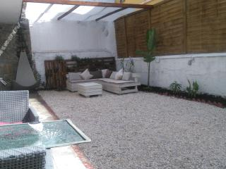 large private garden 50sqm bbq and lounge area