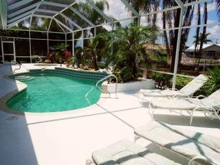 Villa Charlene - Cape Coral 3b/2ba deluxe home