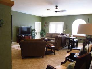 Game & Play Rooms/Heated pool/4 bdrm/3 bath, Naples