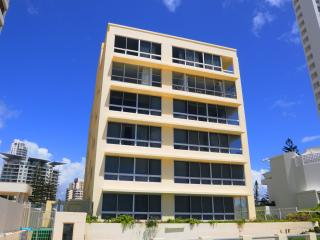 Unit 10 ANGLESEA COURT, Surfers Paradise