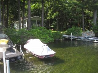 Cottage on Lake Winni (CZA11W), Moultonborough