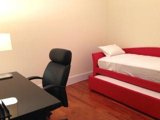 Furnished 1-Bedroom Apartment at Jersey Ave & 17th St Jersey City